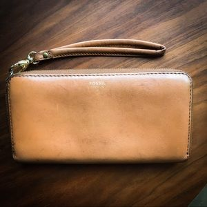 Fossil 🗝 Wallet Wristlet Brown